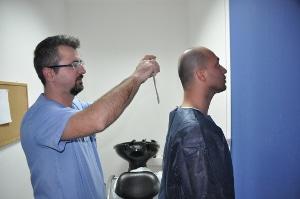 Photographie évaluation résultat greffe cheveux
